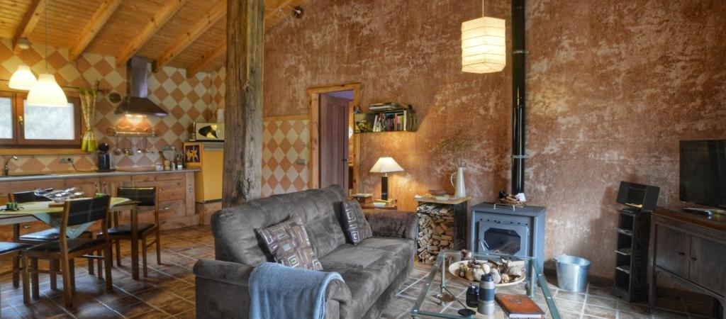 Casa rural La Magia - El Mayulon - Acogedor salon comedor donde sosegarse y estar tranquilo