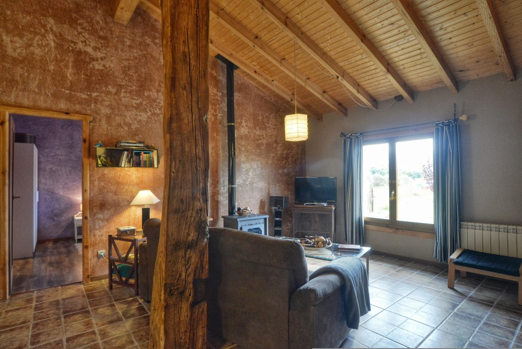 Casa rural La Magia - El Mayulon - Un tranquilo salon donde obrservar placidamente El Bierzo o la television
